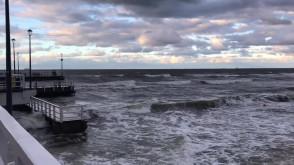 Wzburzone morze w Brzeźnie