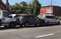 Skutki wypadku trzech aut w Gdańsku Głównym