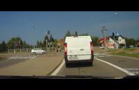 Dwa auta na czerwonym vs niewinne punto
