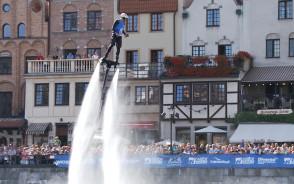 Efektowny Water Show na Motławie