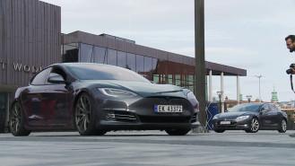 Zlot samochodów elektrycznych przy Forum Gdańsk