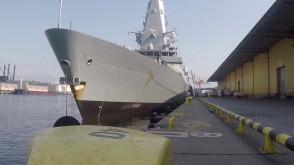 Spacer po pokładzie okrętu Royal Navy w Gdyni