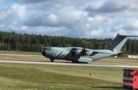 Niemiecki samolot wojskowy AirBus A400M startuje z Gdańska
