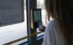 Nowe biletomaty w gdańskich autobusach