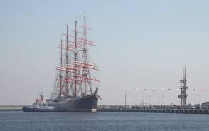 Wejście żaglowca Sedov do portu w Gdyni