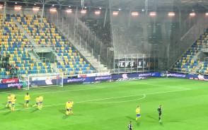 Radość po golu Arki Gdynia w meczu z Pogonią Szczecin