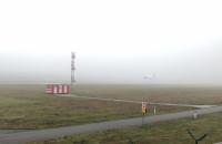 Pierwsze udane lądowanie, gdy widoczność pionowa wzrosła do 200 stóp