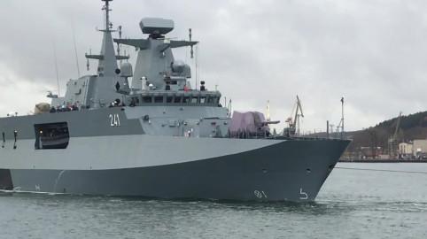 ORP Ślązak wypłynął z gdyńskiego portu