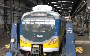 Montaż ładowarek USB w pociągach SKM
