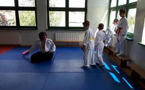 Jedna z zabaw podczas zajęć aikido