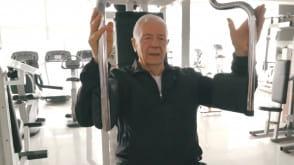 88-latek w siłowni