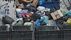 Nie wywożone śmieci w centrum Gdańska