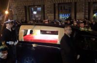 Przejazd trumny z ciałem prezydenta