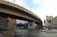 Znak drogowy zasłania sygnalizację