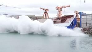 Wodowanie trawlera w Remontowa Shipbuilding