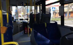 Kierowca autobusu jedzie 10 km/h