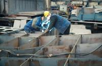 Składanie sekcji rufowej statku dla Urzędu Morskiego