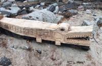 Drewniane rzeźby na gdyńskiej plaży