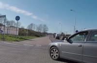 Uwaga, kobieta za kierownicą