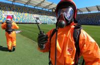 Strażacy-chemicy na stadionie