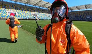 Strażacy-chemicy ćwiczyli na gdyńskim stadionie