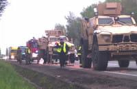 Awaria wojskowej amerykańskiej ciężarówki na obwodnicy