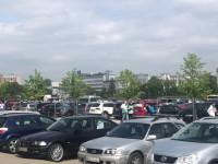 Biało zielono pod stadionem PGE Narodowy w Warszawie