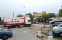 Dewastacja sygnalizacji świetlnej przez ciężarówkę