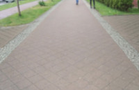 Załatane dziury w chodniku na Podwalu Grodzkim