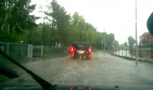 Ulica Brzegi zalana