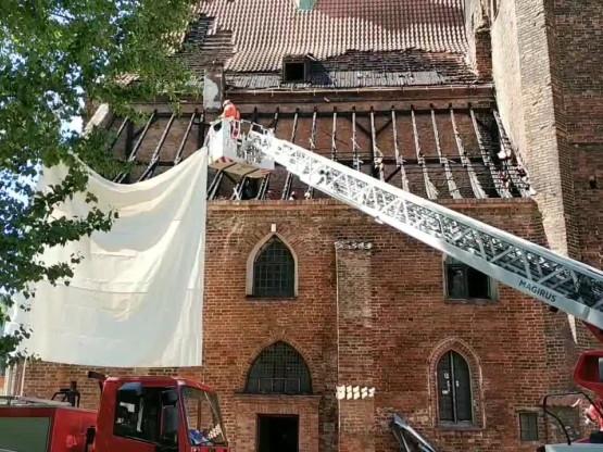 Skutki pożaru kościoła Piotra i Pawła
