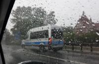 Policja bus pasem .... ich prawo nie dotyczy