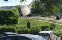 Płonie auto na jasieniu koło pętli