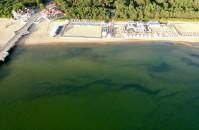 Głębia na dnie morza przy molo w Brzeźnie
