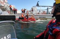 Widowiskowe ćwiczenia ratownicze na morzu