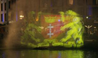 Niecodzienny pokaz na Motławie na koniec Jarmarku