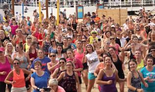Maraton Zumba Fitness na plaży w Brzeźnie