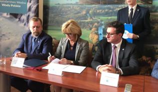 Podpisanie umowy na remont śluzy w Przegalinie
