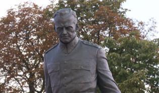 Odsłonięcie pomnika Pileckiego w Gdańsku
