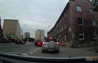 Zderzenie motocyklisty z osobówką na Mickiewicza