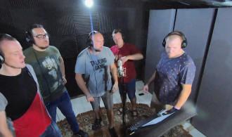 Vox Singers - Biało Czerwone Barwy Dwie (rock version)