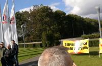 Protest pracowników grupy Lotos niezadowolonych z polityki zarządu