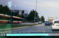 Niebezpieczne manewry na drodze