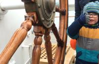 """""""Dar Pomorza"""" w drodze na remont do stoczni"""