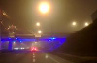 Mglisty wieczór na drogach w Gdańsku