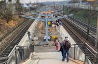 Postęp prac na peronie SKM Redłowo