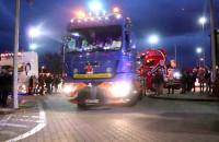 Konwój Mikołajów w ciężarówkach