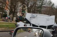 Zderzenie BMW z autobusem