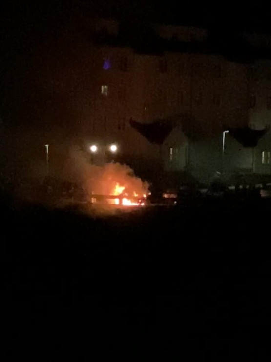 Płonie auto na Ujeścisku