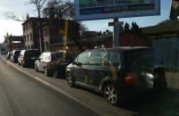 Auta w zatoce autobusowej